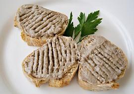 Jednoduchá pomazánka ze sardelové pasty a makrely v oleji recept ...