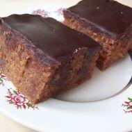 Čokoládový dírkovaný koláč recept