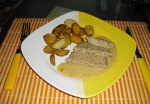 Krůtí sekaná s hořčičnou omáčkou a pečenými brambory  Recepty ...