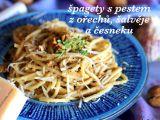 Špagety s pestem z ořechů, šalvěje a česneku recept