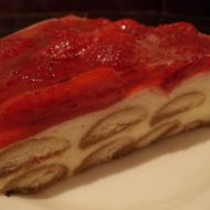 Studený piškotový dort s ovocem recept