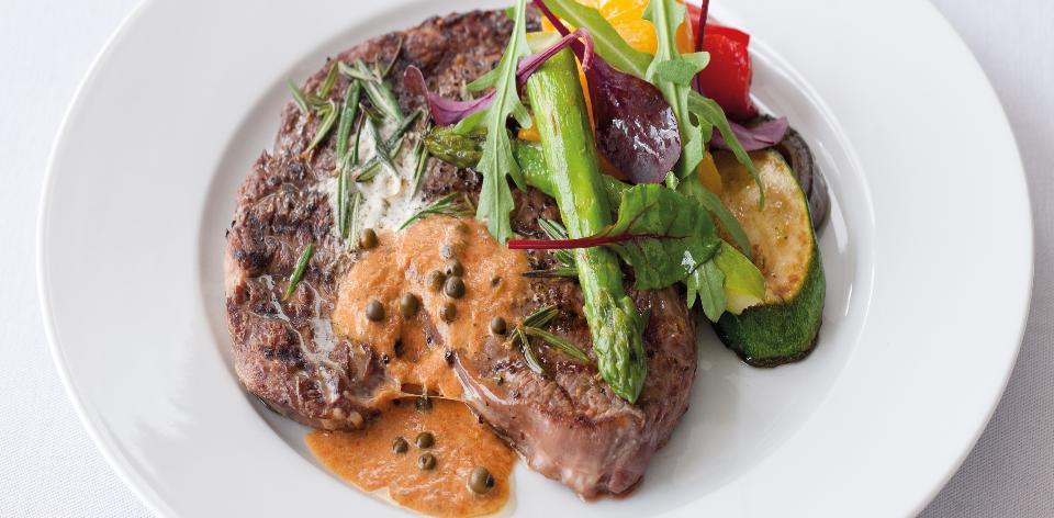 Steak s krémovou omáčkou ze zeleného pepře