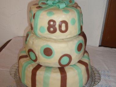 Jednoduchý piškotový dort
