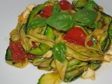Teplý salát s grilovanou cuketou recept