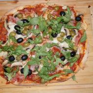 Výtečná pizza s domácím těstem recept