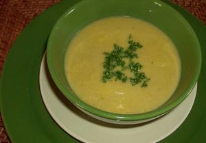 Hrachová polévka s bramborami