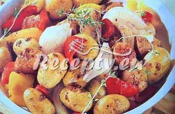 Brambory s klobásou a paprikou recept  bramborové pokrmy ...