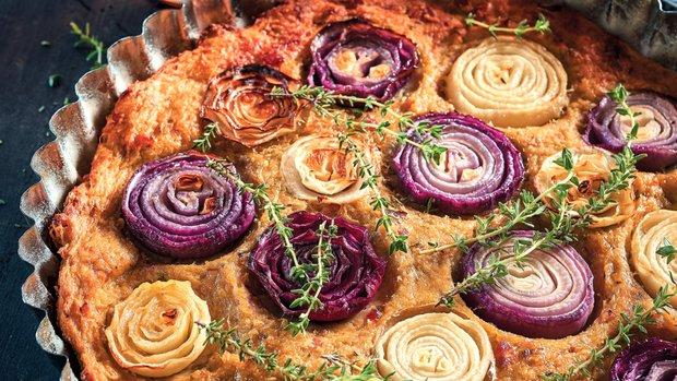 Cibulový koláč z bramborového těsta
