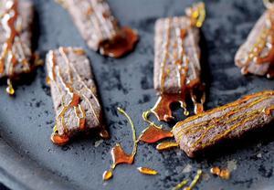 Křehké čokoládové sušenky s karamelem