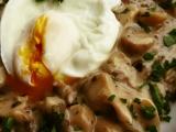 Hlíva se smetanou a zastřeným vejcem recept