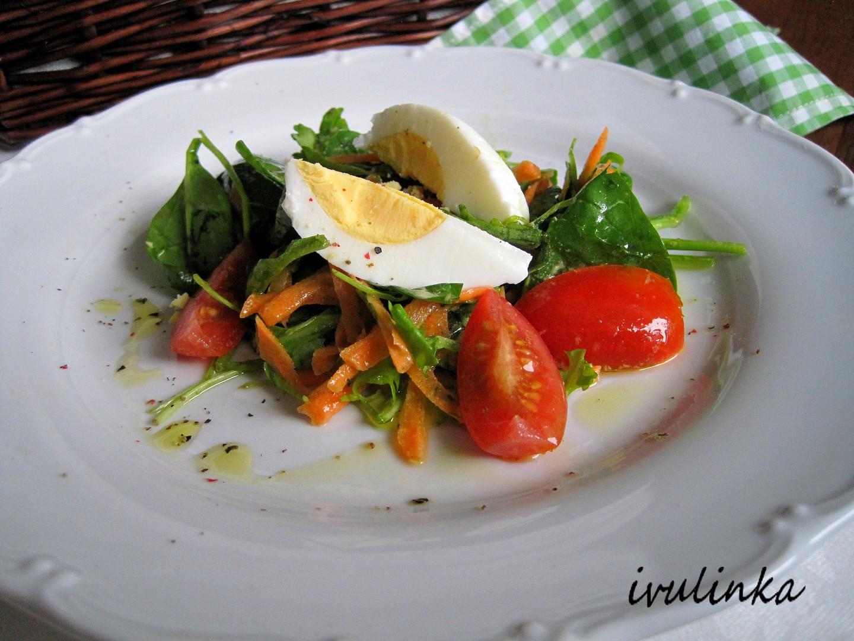 Salát z polníčku s mrkví a s vejcem natvrdo recept