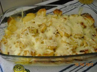 Kotlety na smetaně zapečené s brambory