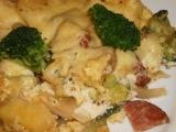 Zapečená brokolice s brambory, salámem a sýrem recept ...