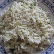 Květákový salát s okurkou recept