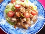 Kuřecí nudličky se zeleninou na ledovém salátu recept ...