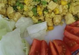 Bulgur s kuřecím masem, hráškem a kukuřicí recept