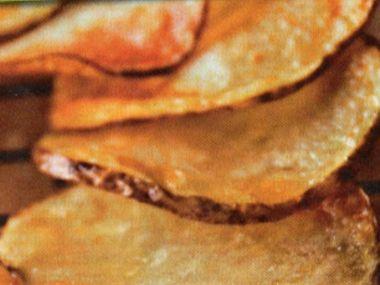 Bramborové chipsy s dipem