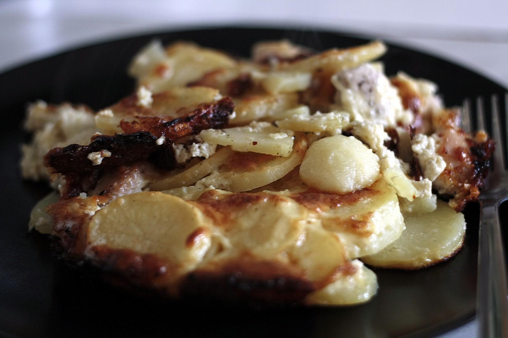 Gratinované nové brambory s kuřetem recept