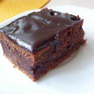 Dírkovaný kakaový moučník recept