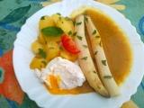 Cibulovo-kari omáčka s chřestem a ztraceným vejcem recept ...
