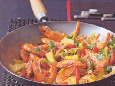 Krevety s paprikami a ananasem