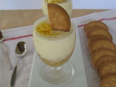 Citronová pěna s ovocem
