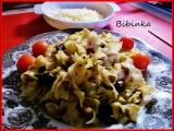 Tagliatelle s uzenou krkovicí, řapíkatým celerem, houbami a bazalkou