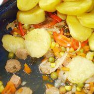 Sójové kostky se zeleninou v jogurtové omáčce recept