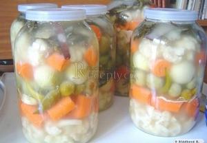 Bulharská trošije (nakládaná zelenina)