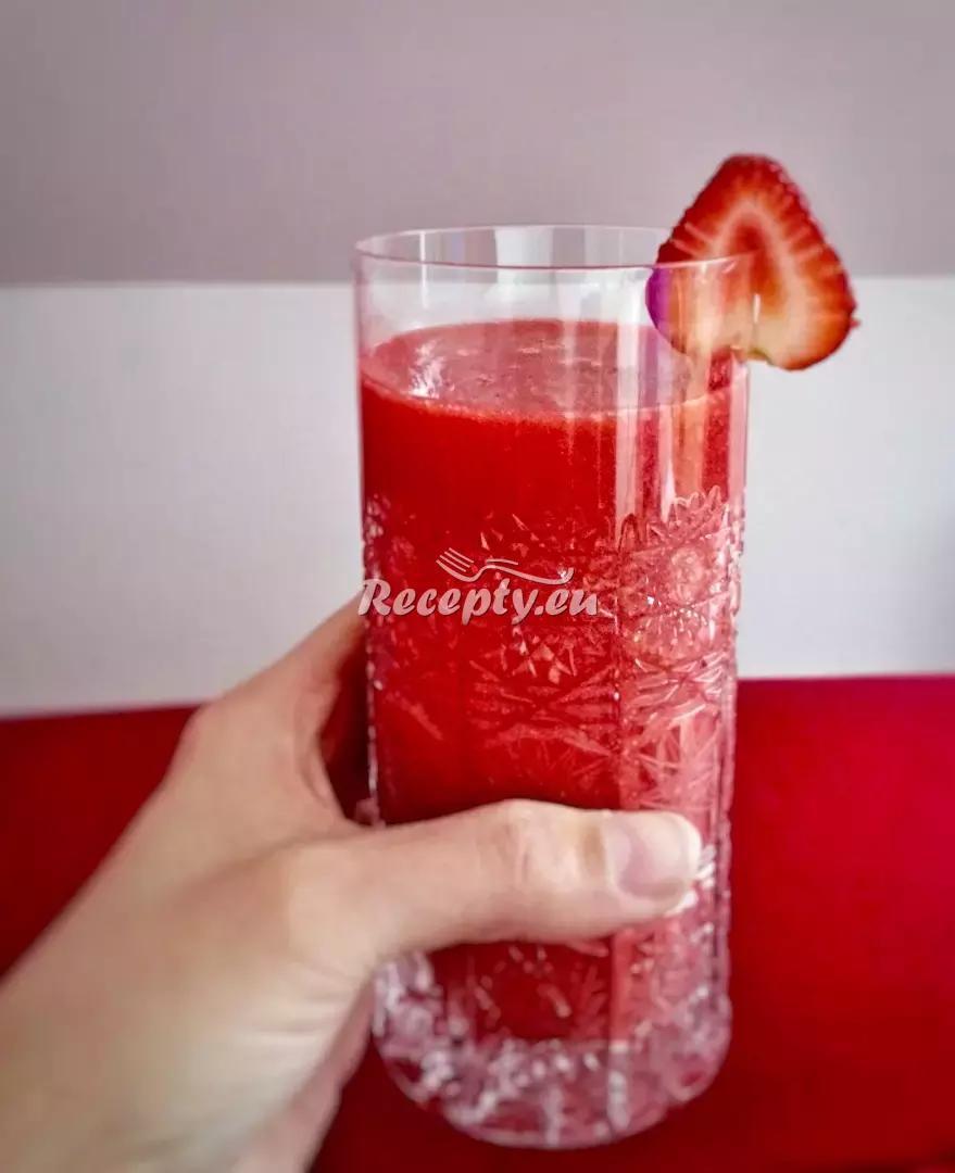 Jarní povzbuzení recept  míchané nápoje