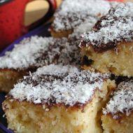 Tvarohové řezy s kokosem recept