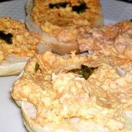 Mrkvovo  sýrovo  brynzová pomazánka s česnekem recept  Vareni ...