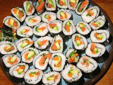 Sushi (losos a avokádo)