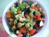 Zeleninový salát s olivami recept
