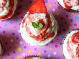 Jahodové cupcakes s ricottou recept
