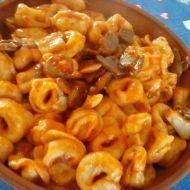 Tortellini s houbami a smetanou recept