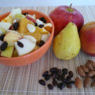Ovocný salát s rozinkami recept