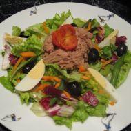 Zeleninový salát s tuňákem a vejcem recept