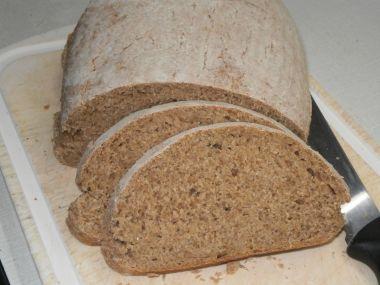 Kváskový celozrnný chléb