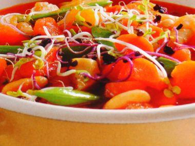 Zeleninový guláš s fazuľou