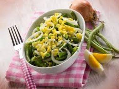 Fazolky s vejci a sýrem