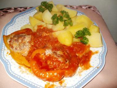 Papriky s mletým masem a sýrem