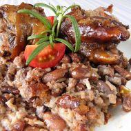 Zapečené fazole s rýží a vepřovými nožičkami recept