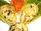 Plněné brambory s dvěma druhy sýrů a zakysanou smetanou recept ...