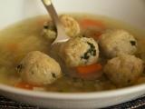 Zeleninová polévka s drožďovými noky recept