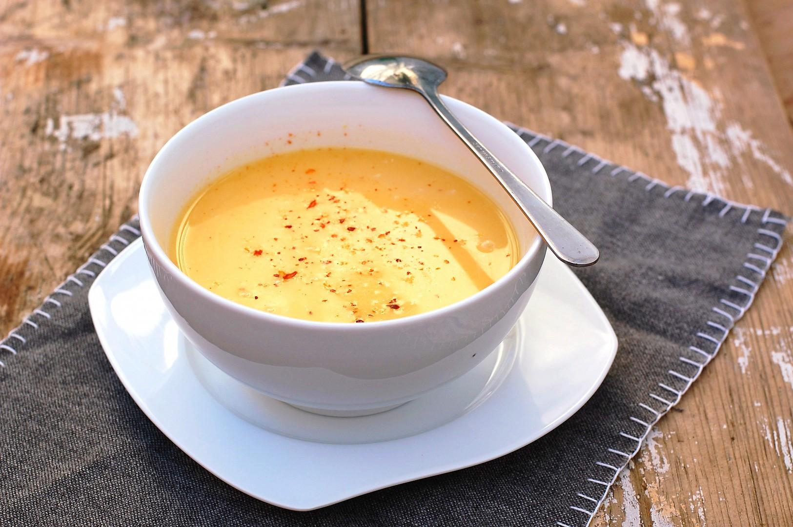 Dýňová polévka s kokosovým mlékem a chilli recept