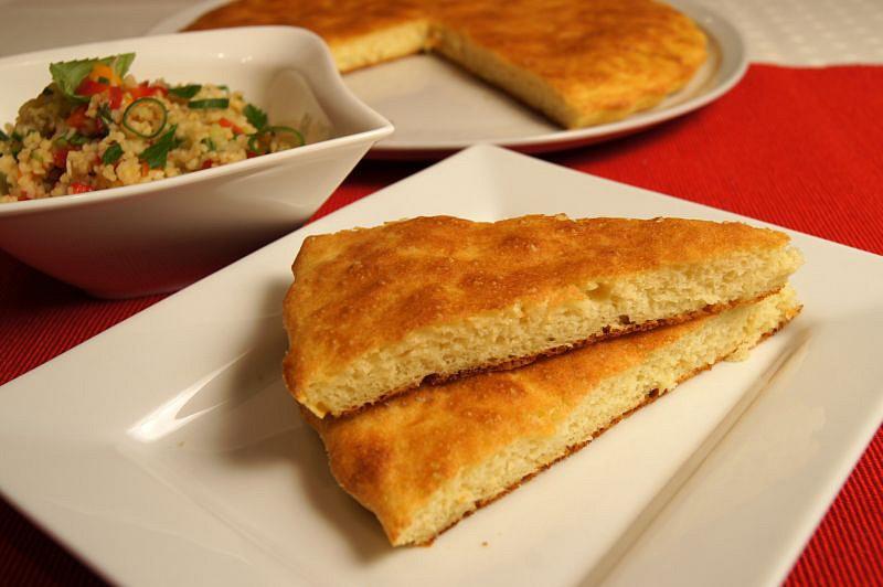 Domažlický bacán – přílohová bramborová placka recept ...