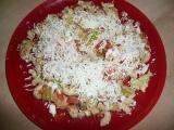 Těstovinovo-zeleninový salát s kuřecím masem recept  TopRecepty ...