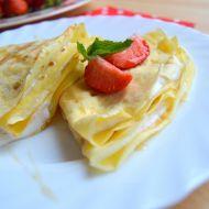 Palačinky s jahodovo-smetanovou náplní recept