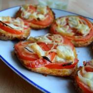 Zapečené housky s rajčaty a mozzarellou recept